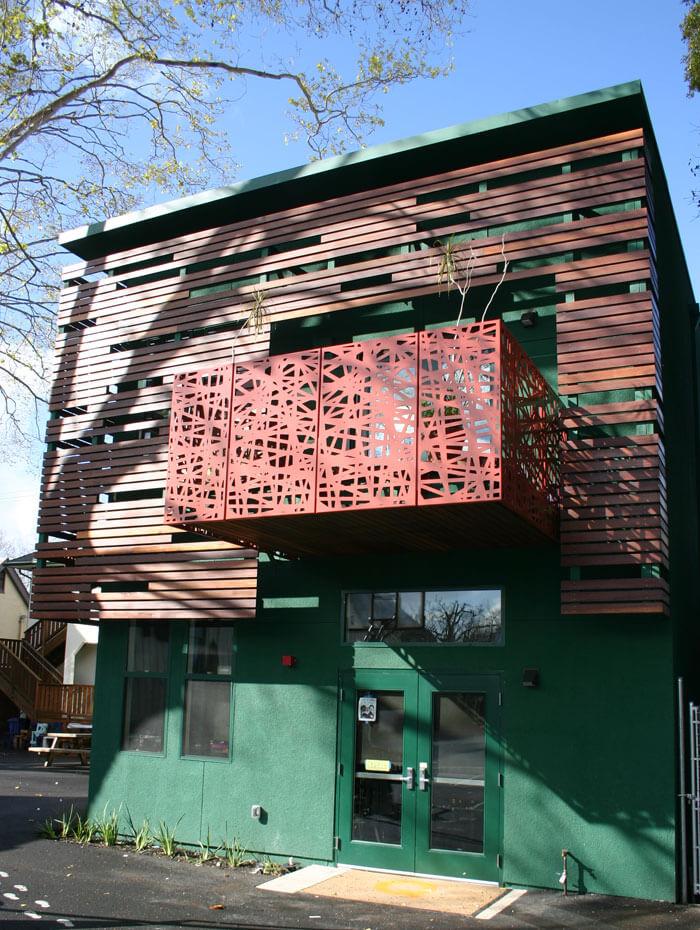 Black_Pine_Circle_School_balcony