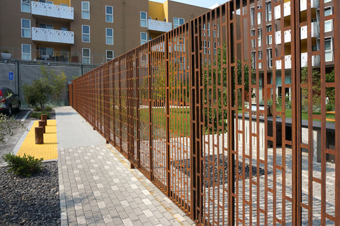 Mayfield_place_modular_fence